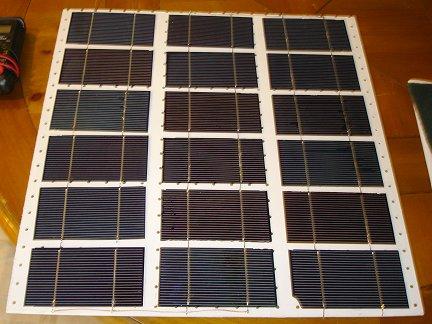 собранная половина солнечной батареи
