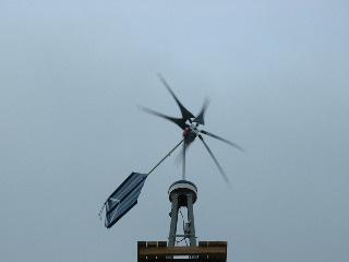 Инсталляция ветротурбины произведена успешно